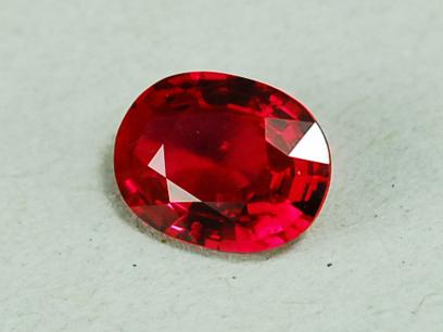紅寶石在彩色寶石的珠寶定制中的應用